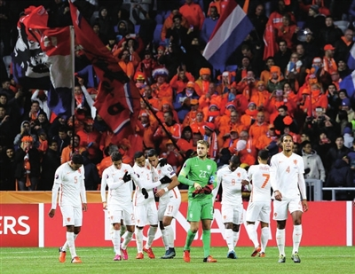 荷兰队内讧_荷兰队进欧洲杯需奇迹