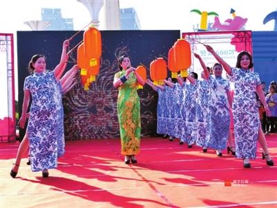 走秀《国家》,旗袍演变,旗袍秀《中国大舞台》等22个节目精彩纷呈