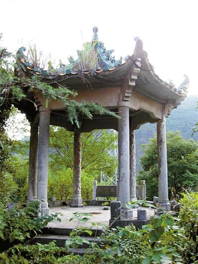 百花亭——青山水库的一道风景